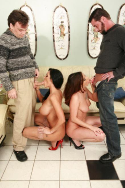 Камасутра соблазнила две пары поменяться жёнами и устроить оргию